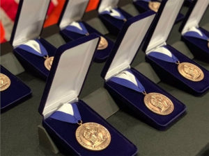 Bronze Medallion Posthumously Awarded To 9/11 First Responders